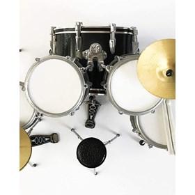 Réplica Bateria Miniatura Roger Taylor News of the World Queen Mini Drum Set Axe Heaven