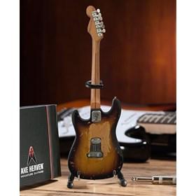 Réplica Guitarra Miniatura Eric Clapton Fender Stratocaster Brownie Axe Heaven