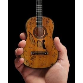 Réplica Violão Miniatura Willie Nelson Signature Trigger Axe Heaven